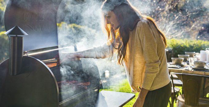 Using barbecue smoker tools correctly