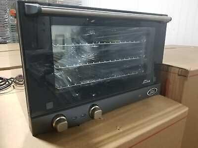 Cadco XAF-133 Half Size Convection Oven